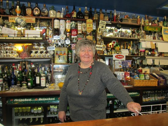 Courtown, Irland: Maureen, owner