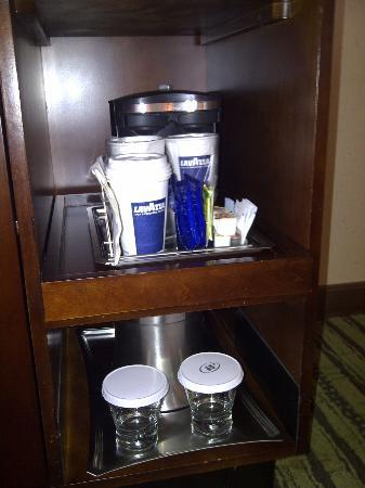 Hilton Minneapolis/Bloomington: Coffee service