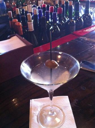 Black Horse Tavern: Hot & Dirty Martini