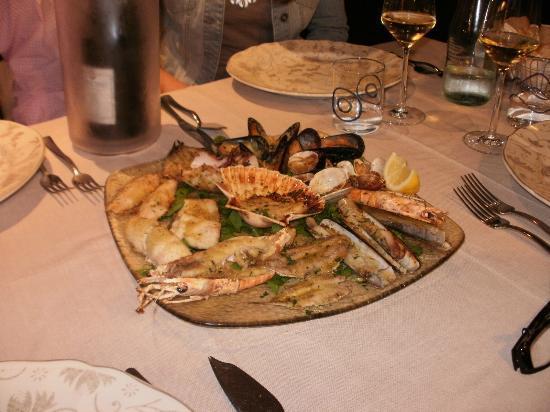 Hotel Pasquale : dinning in Monterroso al mare