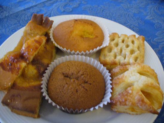 Hotel Tirrenia: ...e coccole di dolci fatti in casa!!!!