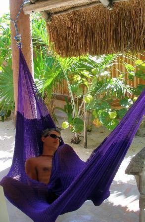 Hotel CalaLuna Tulum: lovely hammocs