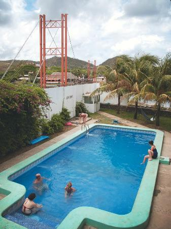 Yajure Surf Hostel : the pool!!
