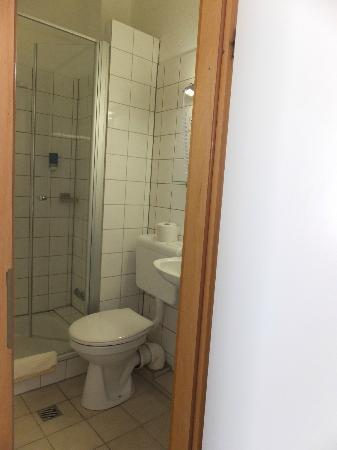 Hotel Stadt Lübeck: bath