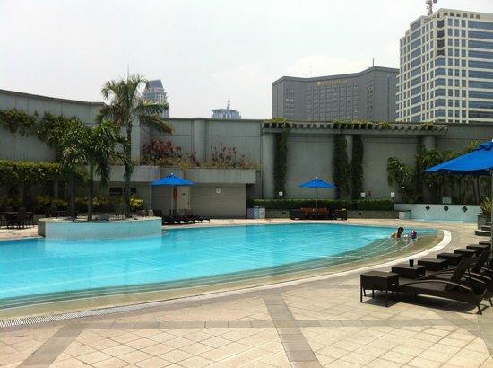 Ascott Makati: Pool