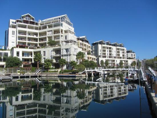 Atlantic Marina Waterfront Apartments: the building complex