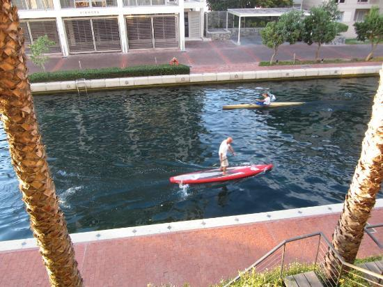 Atlantic Marina Waterfront Apartments: kayaking outside