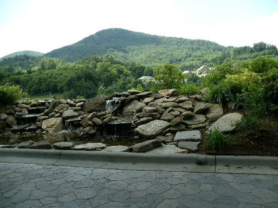 Quality Inn & Suites University: Rock Fountain at Best Western, Boone