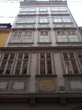 Mozarthaus Vienna : front side