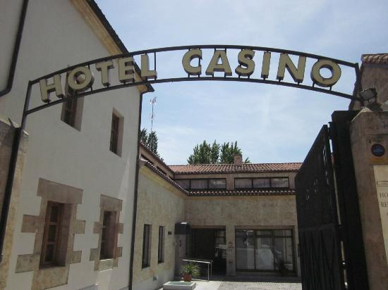 Casino del Tormes: Hotel Casino sign