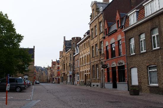 Main Street Hotel: The Main Street