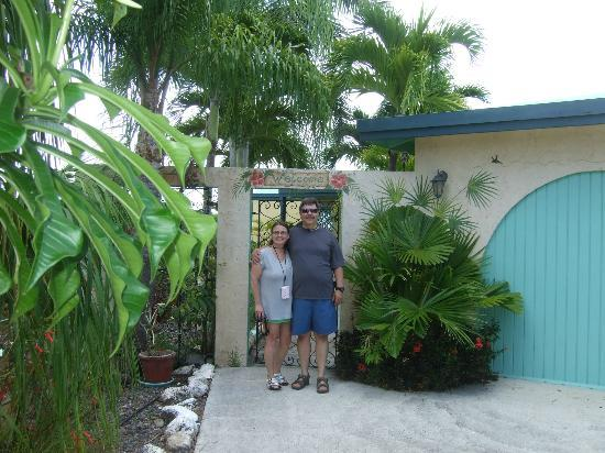 Carringtons Inn St. Croix: driveway