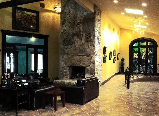 Wimberley Valley Winery: Inside our Tasting Room
