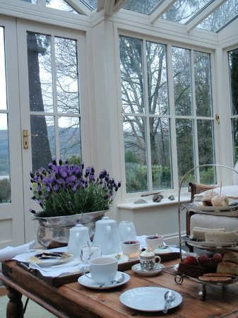 Coedmor Self catering Holiday Cottages: Afternoon Tea in Conservatory