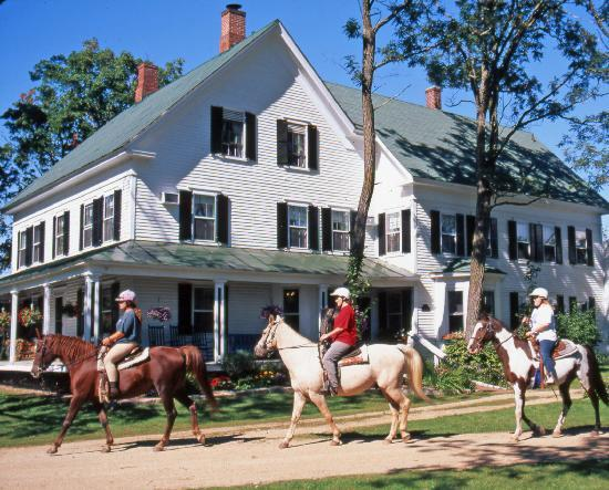 Farm by the River Bed and Breakfast with Stables : Live the history of this charmingly restored 1780s inn with horseback riding stables.