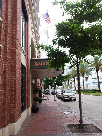 New Orleans Downtown Marriott at the Convention Center: Front of Hotel