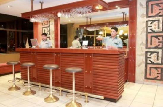El Brujo Hotel: Bar