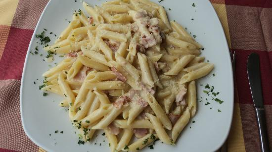 Casa Della Pasta: My Penne Carbonara, so creamy and satisfying without being sickenly filling