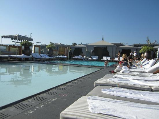 SLS Hotel, A Luxury Collection Hotel, Beverly Hills: Altitude - aka the reflective & plunge pool