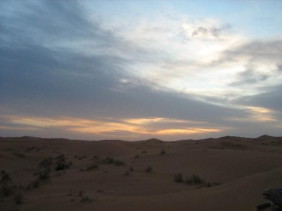 Naamani Groupe Nomadic Camp: sunset Erg Chebbi sun set