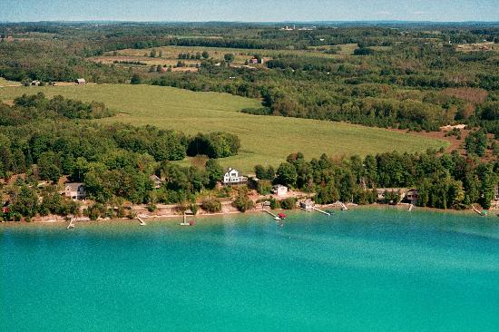 Torch Lake Bed & Breakfast: Areal View of The Torch Lake B&B