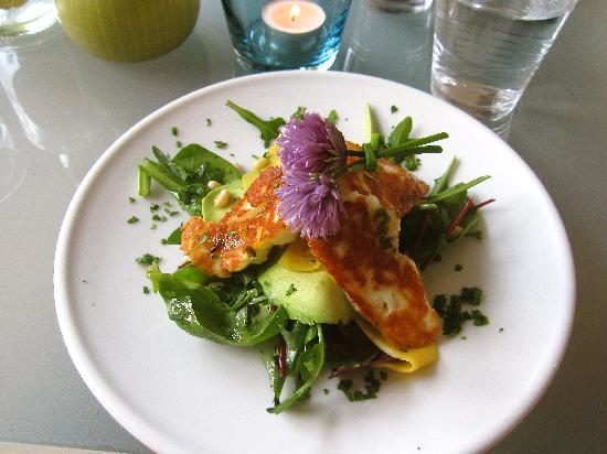 Beeston, UK: Halloumi, mango, chive flower