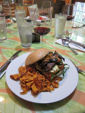 Wild Thyme Gourmet: The grilled vegetable sandwich with sweet potato chips