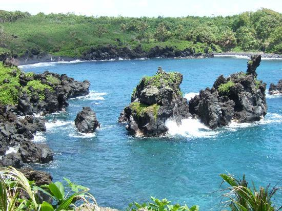 Temptation Tours: Beach near Hana