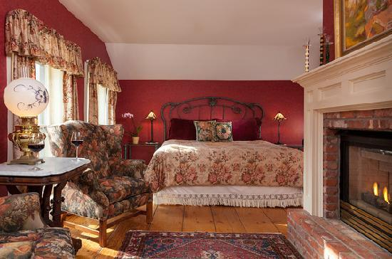 The Inn at Weston: Parkhurst Room- is a very regal and warm guestroom with fireplace!