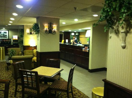 Hampton Inn Johnson City: The Hampton Inn Lobby Checkin