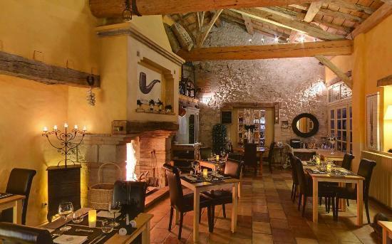 Cap de Castel : restaurant interieur