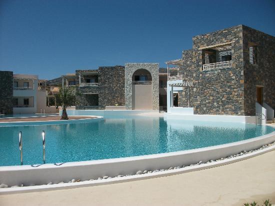 Ostria Resort & Spa: 1 des 4 piscines de l,hôtel .