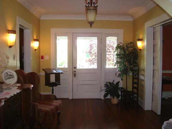 Front door to The Groome Inn