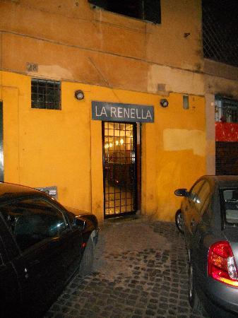 La Renella: Outside view