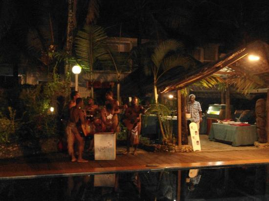 The Melanesian Port Vila: music @ dinner