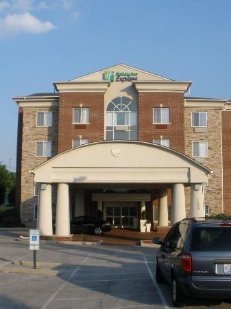 Holiday Inn Express Hotel & Suites Lexington- Downtown / University: Outside View of Hotel