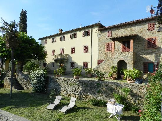 Agriturismo La Gioconda: Front view of farmhouse