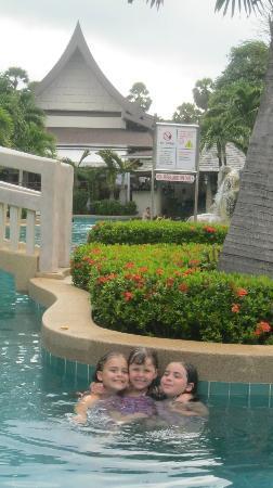 Centara Kata Resort Phuket: pool area