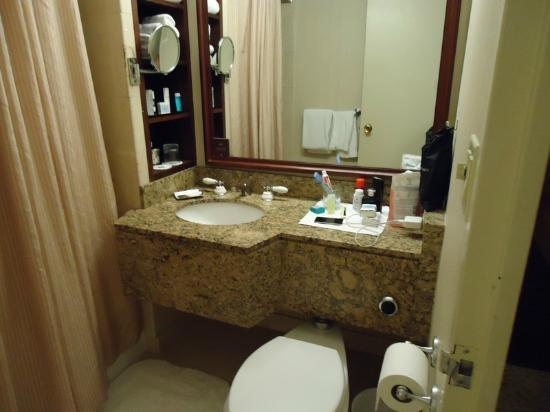 Omni New Haven Hotel at Yale: Bathroom