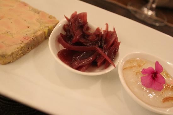 La Taille de Guepe: Entrées provençales foie gras et confiture de jasmin