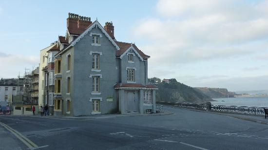 Cliffe-Norton Hotel: another view across the road from the hotel