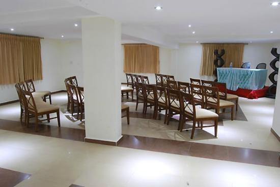 Poppys Hotel: 6