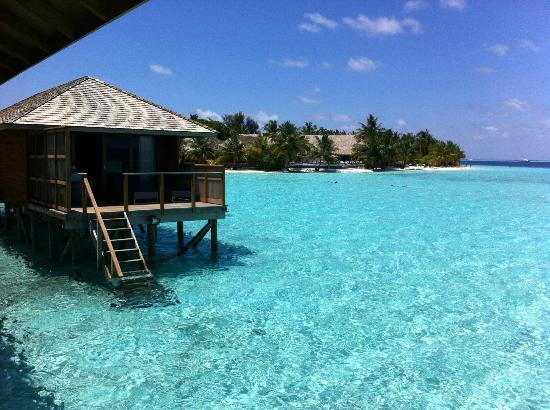 Vilamendhoo Island Resort & Spa: View from Villa 304