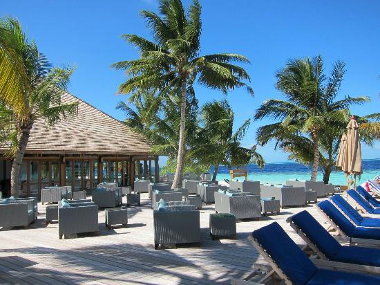 Vilamendhoo Island Resort & Spa: Sunset Bar in Early Morning
