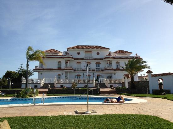 Hotel Diufain: Piscina