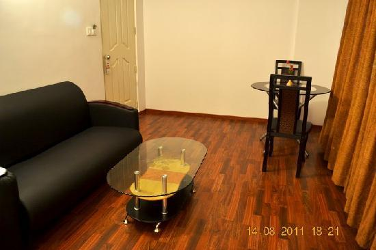 The Capital Kochi City: Eminence Suite Living Room