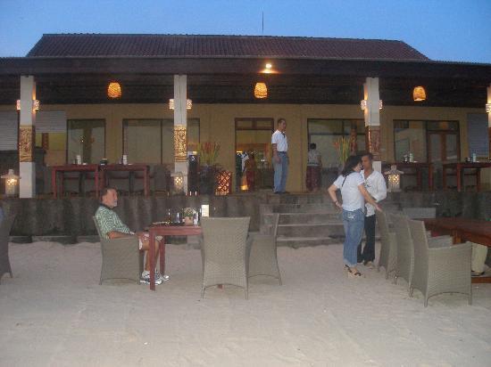 Bawang Merah Beachfront Jimbaran: Bawang Merah Beach Front Restaurant
