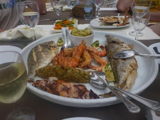 "4Aguas Restaurante Lounge Bar: part of our massive fish platter! The speciality ""stuffing"" is delicious!"