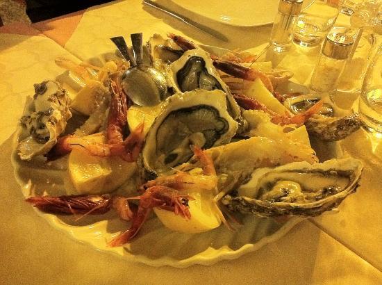 Ischia Porto, Italia: I crudi di mare