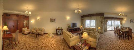 Siji Hotel Apartments: Three Bedroom Apartment Living & Dinning Rooms
